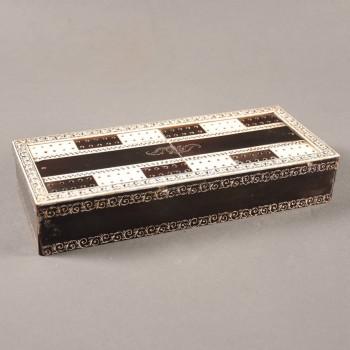 Vizagapatam gaming box of wood with ivory and horn veneer