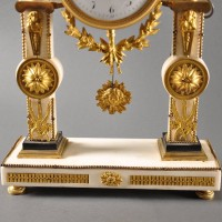 Antique Louis XVI pillar clock, white carrera marble with ormolu mountings
