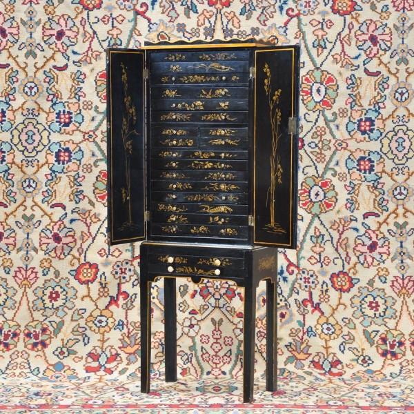 Chinese Cabinet Black Lacquer De Grande Antique Furniture
