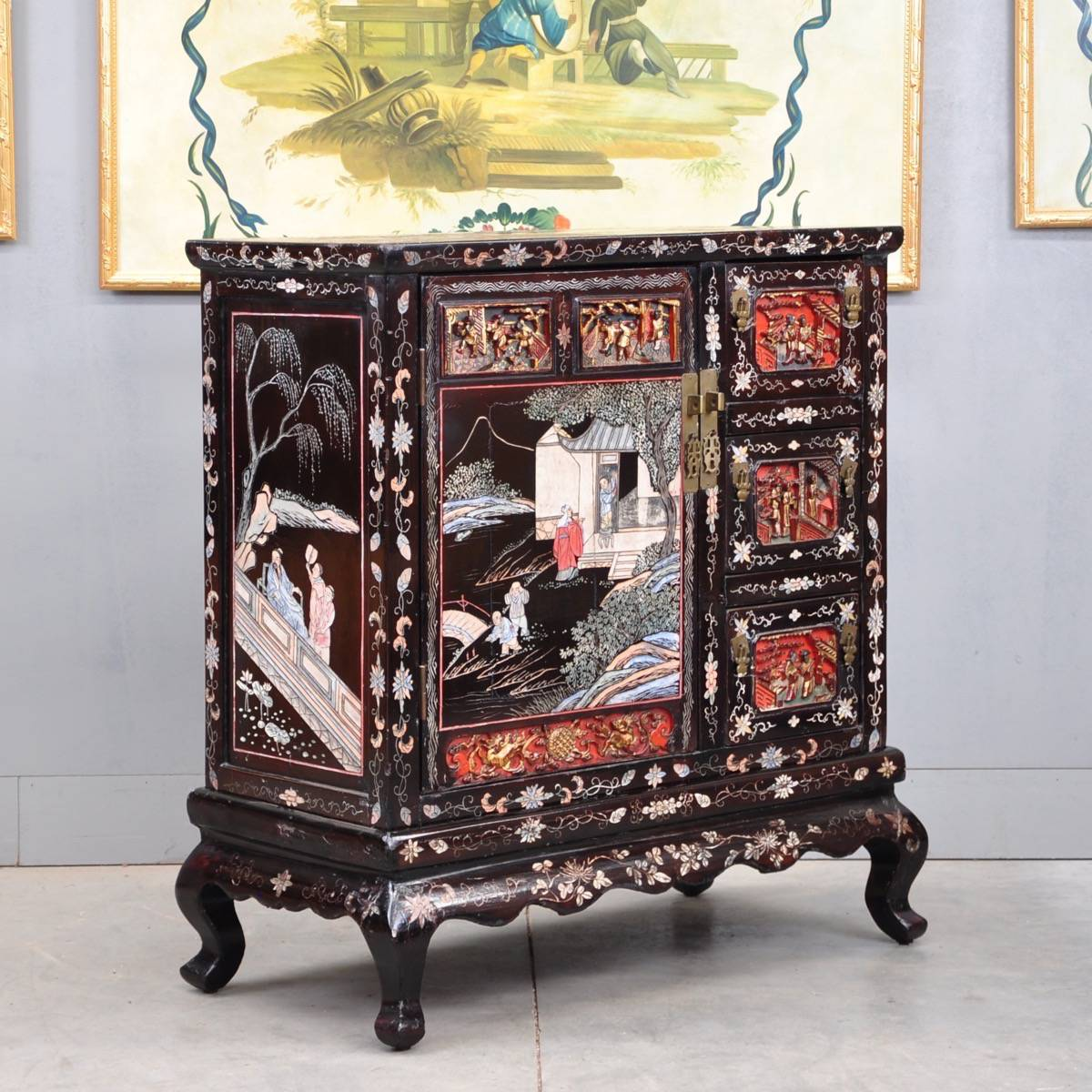 Antique Chinese lacquer cabinet - Chinese Lacquer Carved Cabinet De Grande Antique Furniture