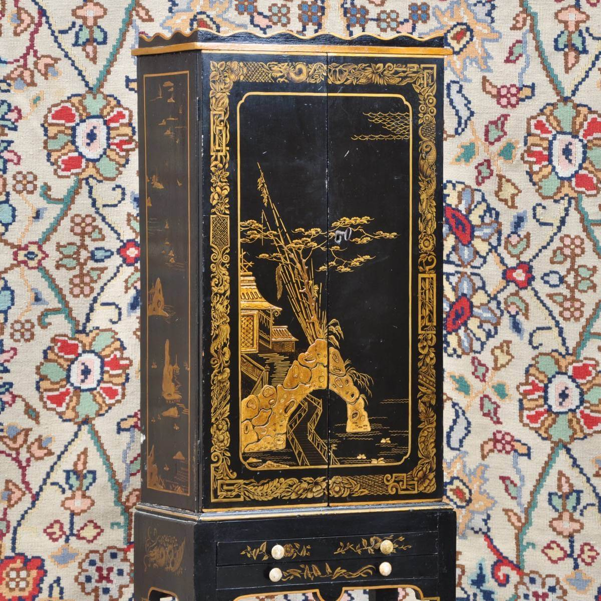 Antique Chinese cabinet on stand black lacquer and gilt - Chinese Cabinet Black Lacquer De Grande Antique Furniture