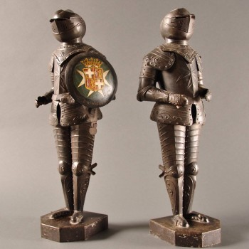 Pair of small figures of Guardsmen in full armour
