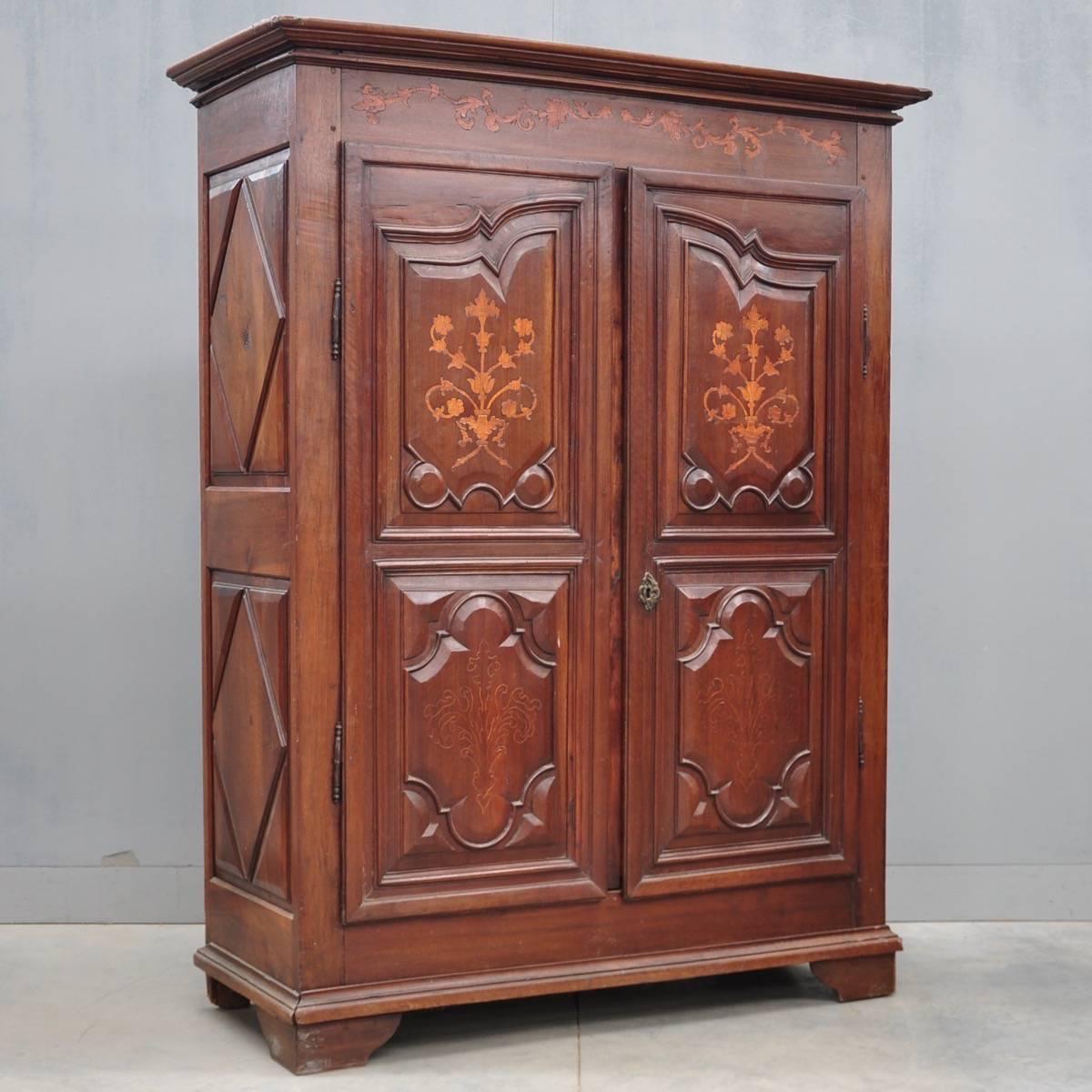 french walnut armoire de grande antique furniture. Black Bedroom Furniture Sets. Home Design Ideas