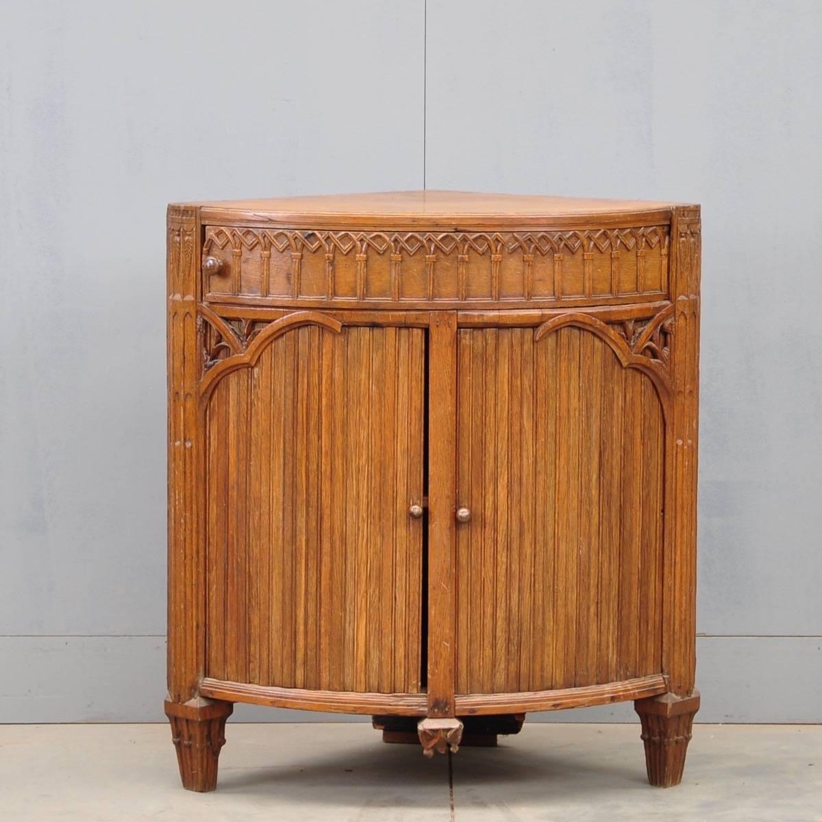Dutch oak corner cabinet - Dutch Oak Corner Cabinet De Grande Antique Furniture