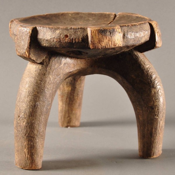 African Tribal wooden stool | De Grande Antique Furniture