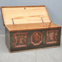Antique coffer | De Grande Antique Furniture