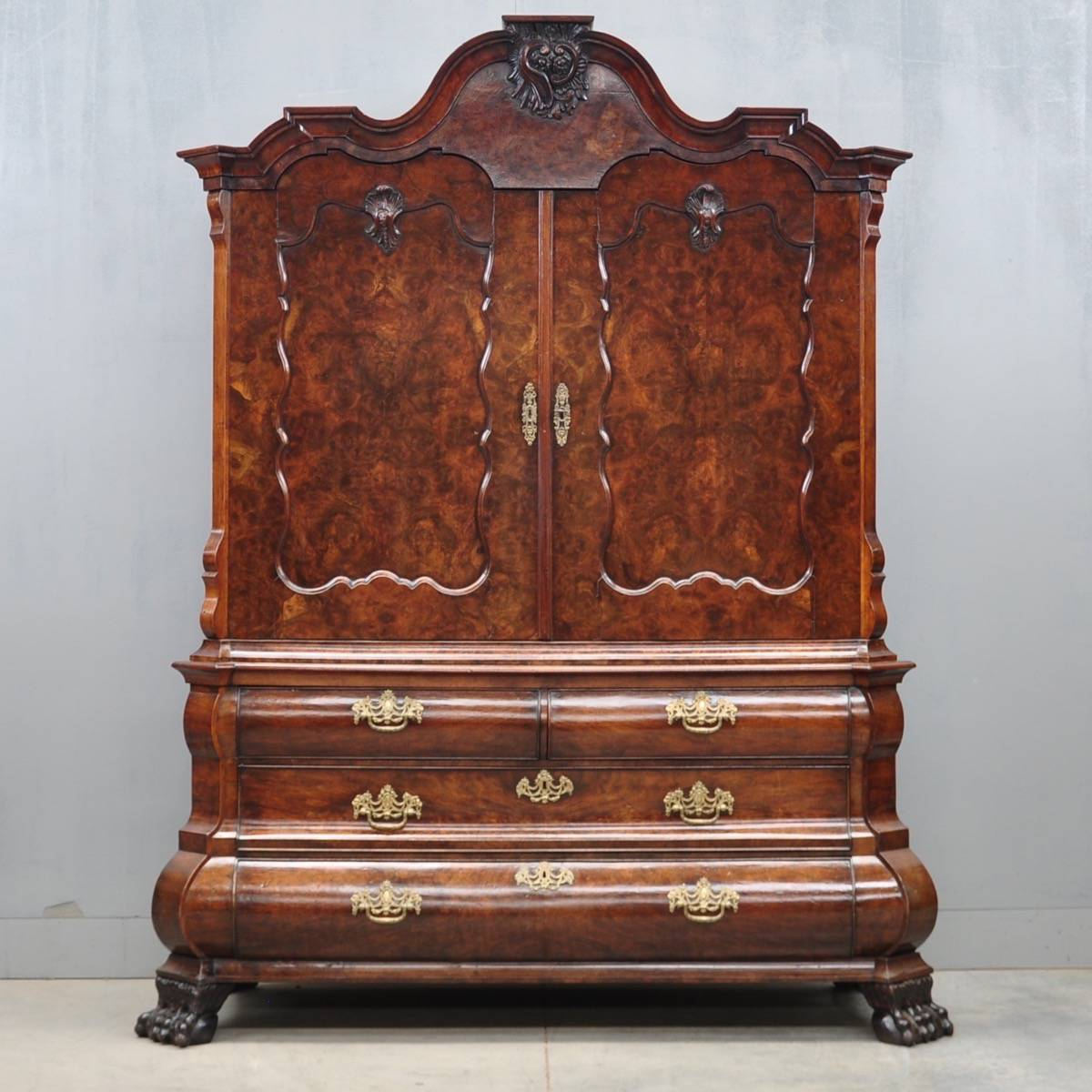 Antique dutch walnut cabinet de grande antique furniture for Antique furniture