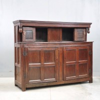 English oak court Antique cupboard | De Grande Antique Furniture