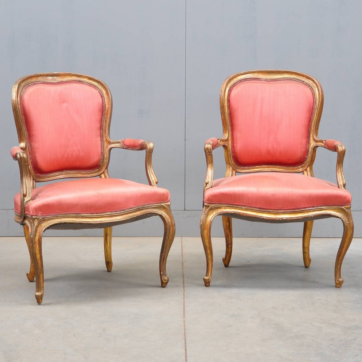 Pair of louis xv armchairs de grande antique furniture for Antique furniture