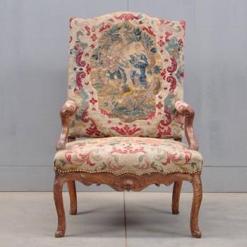 Antique French Régence armchair | De Grande Antique Furniture