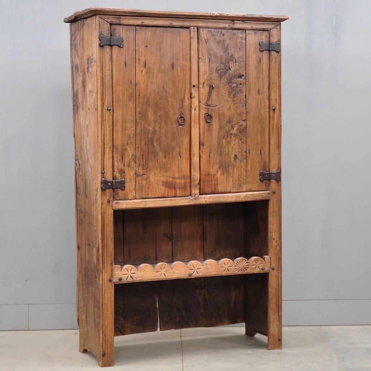 Rustic Spanish Cupboard De Grande Antique Furniture