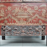 Chinese red lacquer cabinet | De Grande Antique Furniture