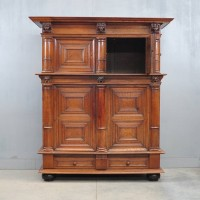 Dutch oak 'Kolommen kast' cupboard | De Grande Antique