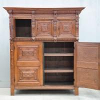 Flemish oak Renaissance cupboard | De Grande Antique