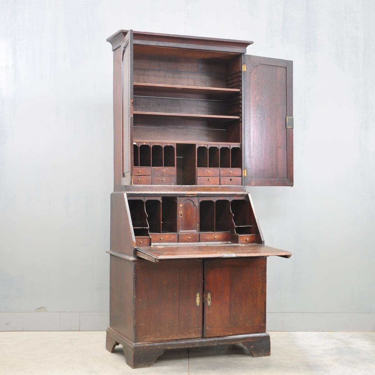 Antique English oak bureau bookcase | De Grande Antique Furniture - The English Antique Furniture Collections