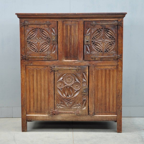 Antique Flemish cabinet | De Grande Flemish Antique Furniture