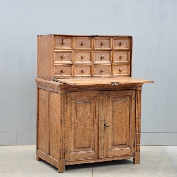 Antique Flemish oak cabinet | De Grande Antique Furniture