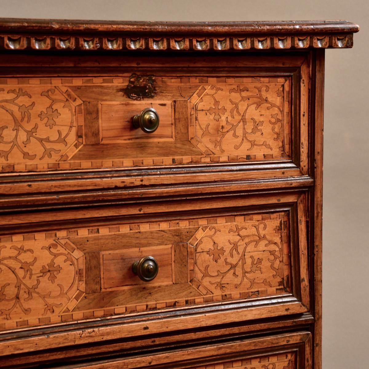Italian Chestnut Commode De Grande Antique Furniture
