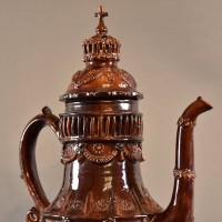 Glazed terracotta coffee pot | De Grande Antique Tableware