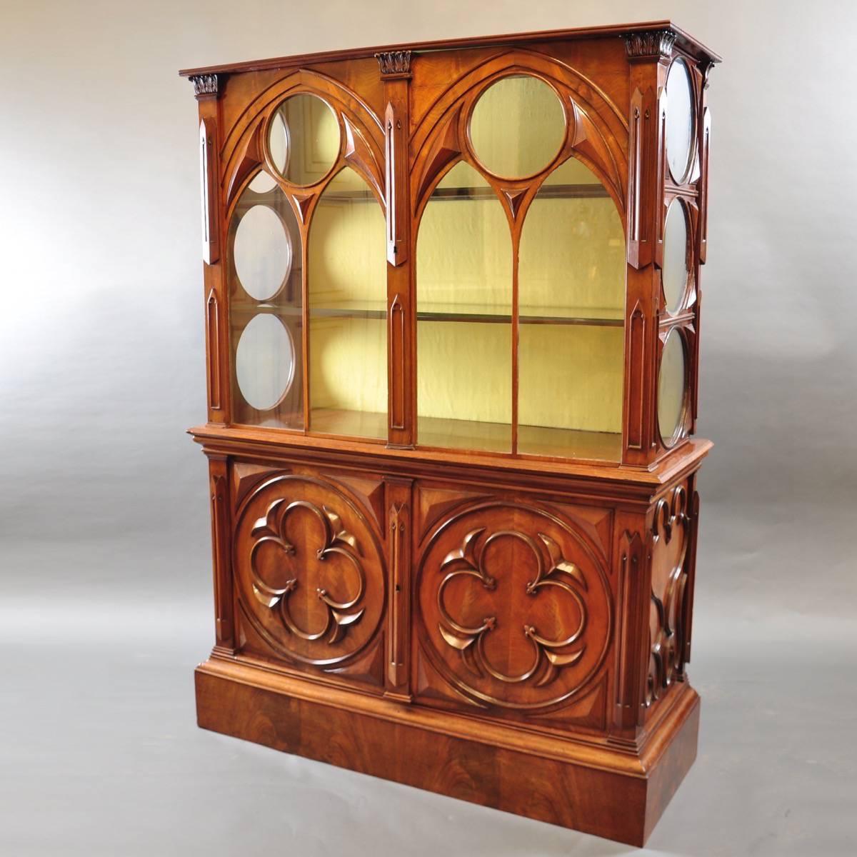 gothic style english vitrine de grande antique furniture. Black Bedroom Furniture Sets. Home Design Ideas