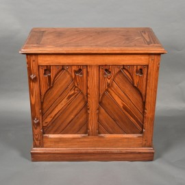 English Neo Gothic Desk | De Grande Antique English Furniture