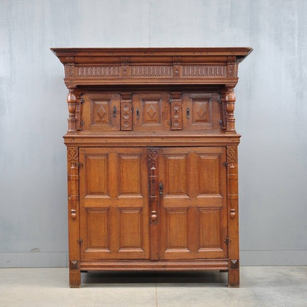 antique Flemish Renaissance cupboard | De Grande Antique Furniture