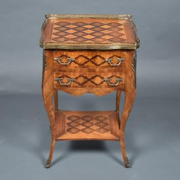 French inlaid table | De Grande French Antique Furniture