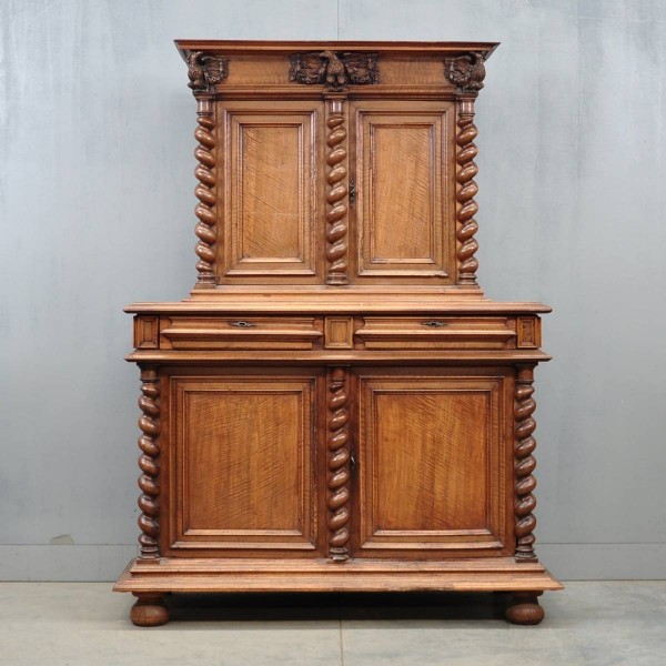 antique French Walnut cabinet | De Grande french Antique Furniture