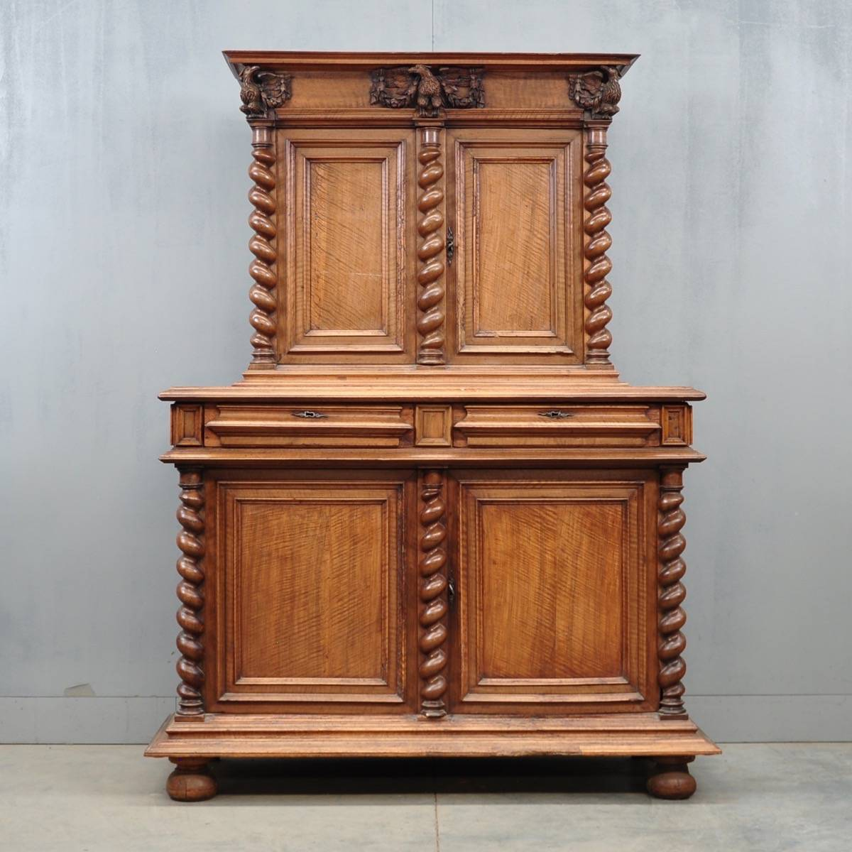 french walnut cabinet de grande french antique furniture. Black Bedroom Furniture Sets. Home Design Ideas
