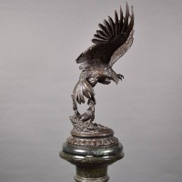 antique Hunting eagle bronze sculpture | De Grande Bronze Fine art