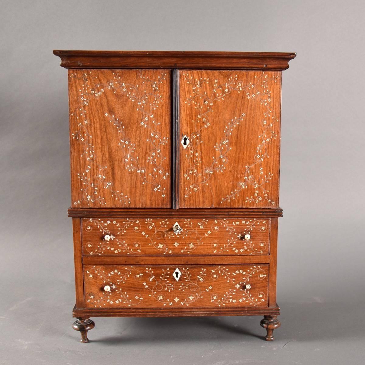 Colonial antique Miniature press cupboard | De Grande Antique Furniture - Miniature Press Cupboard De Grande Antique Furniture