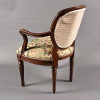 Pair of French armchairs | De Grande French Antique Furniture