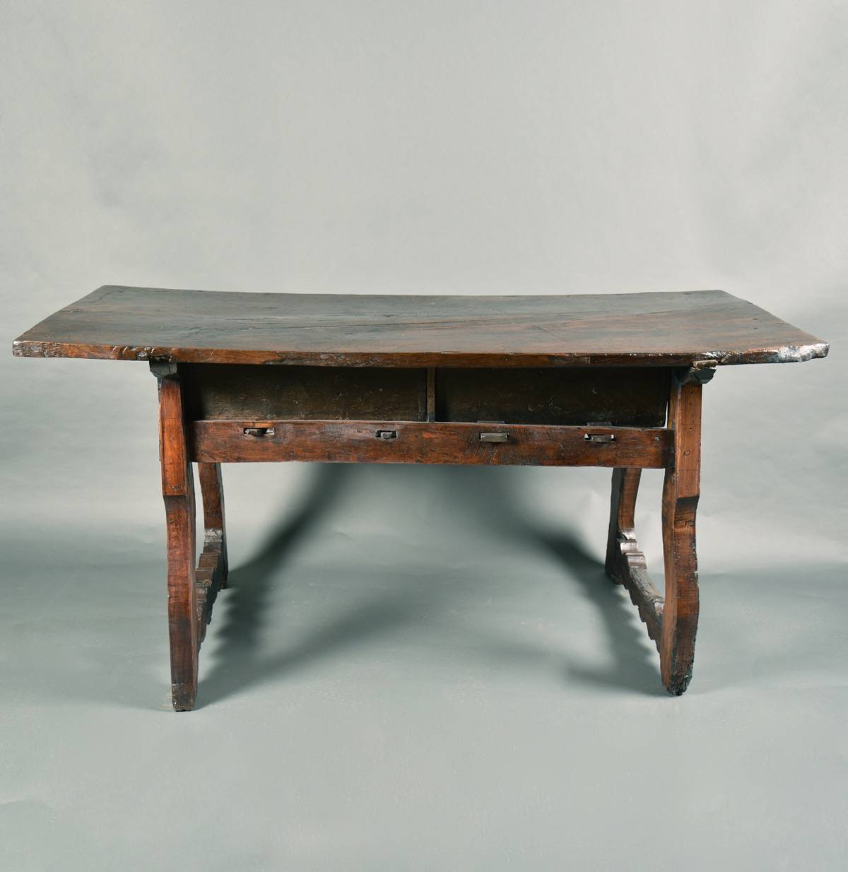 Rustic spanish table de grande spanish antique furniture for Antique furniture