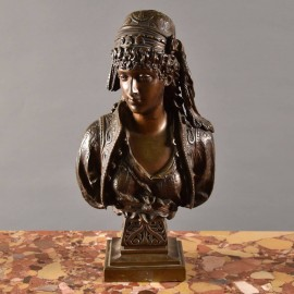 French Bronze bust of a girl | De Grande Bronze Fine Art