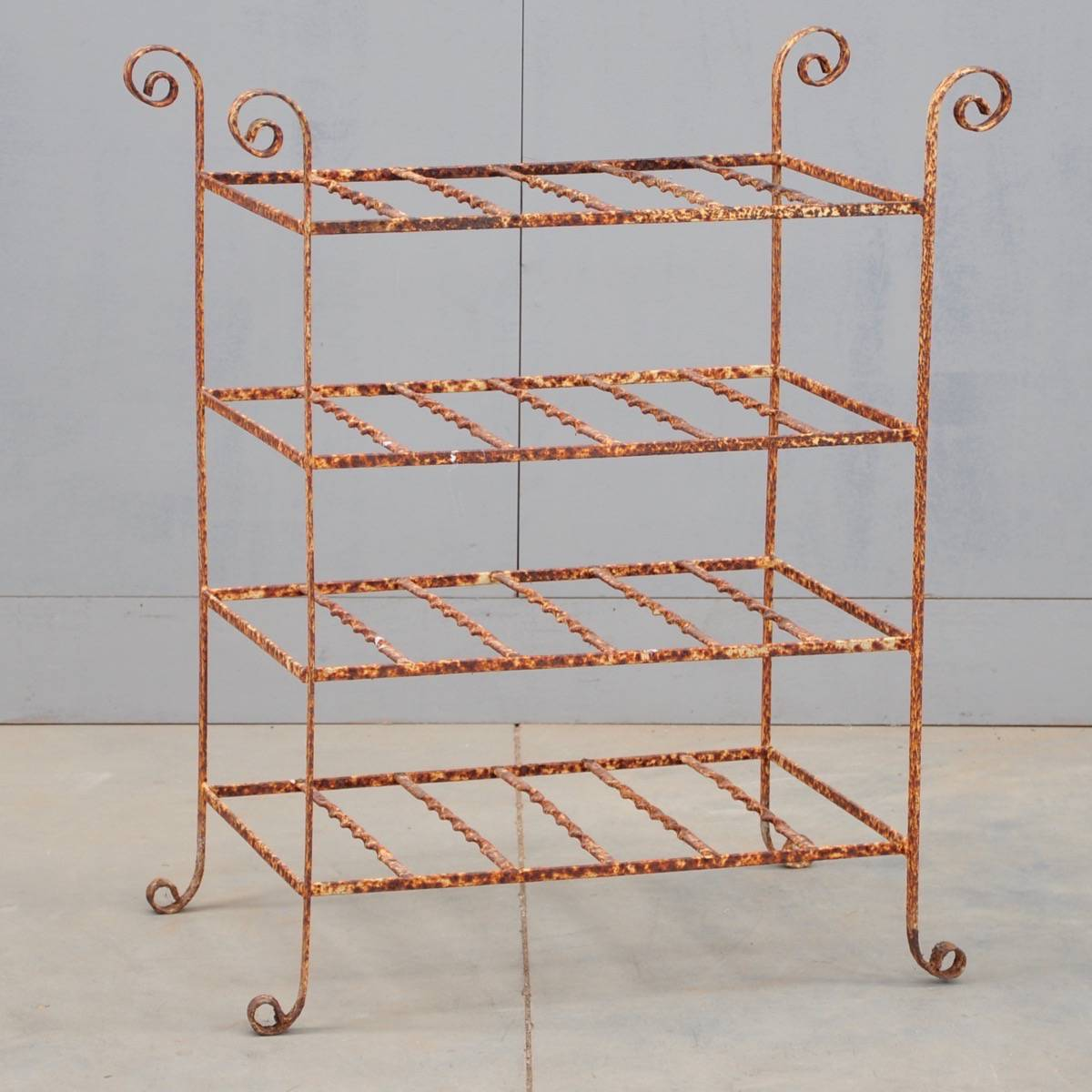 decorative iron etagere antique garden decoration. Black Bedroom Furniture Sets. Home Design Ideas