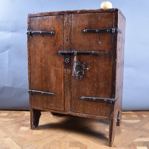Haute Epoque Early Small Cabinet Circa 1500 - Antique Furniture
