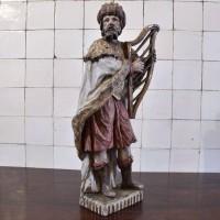 Religious sculpture King david