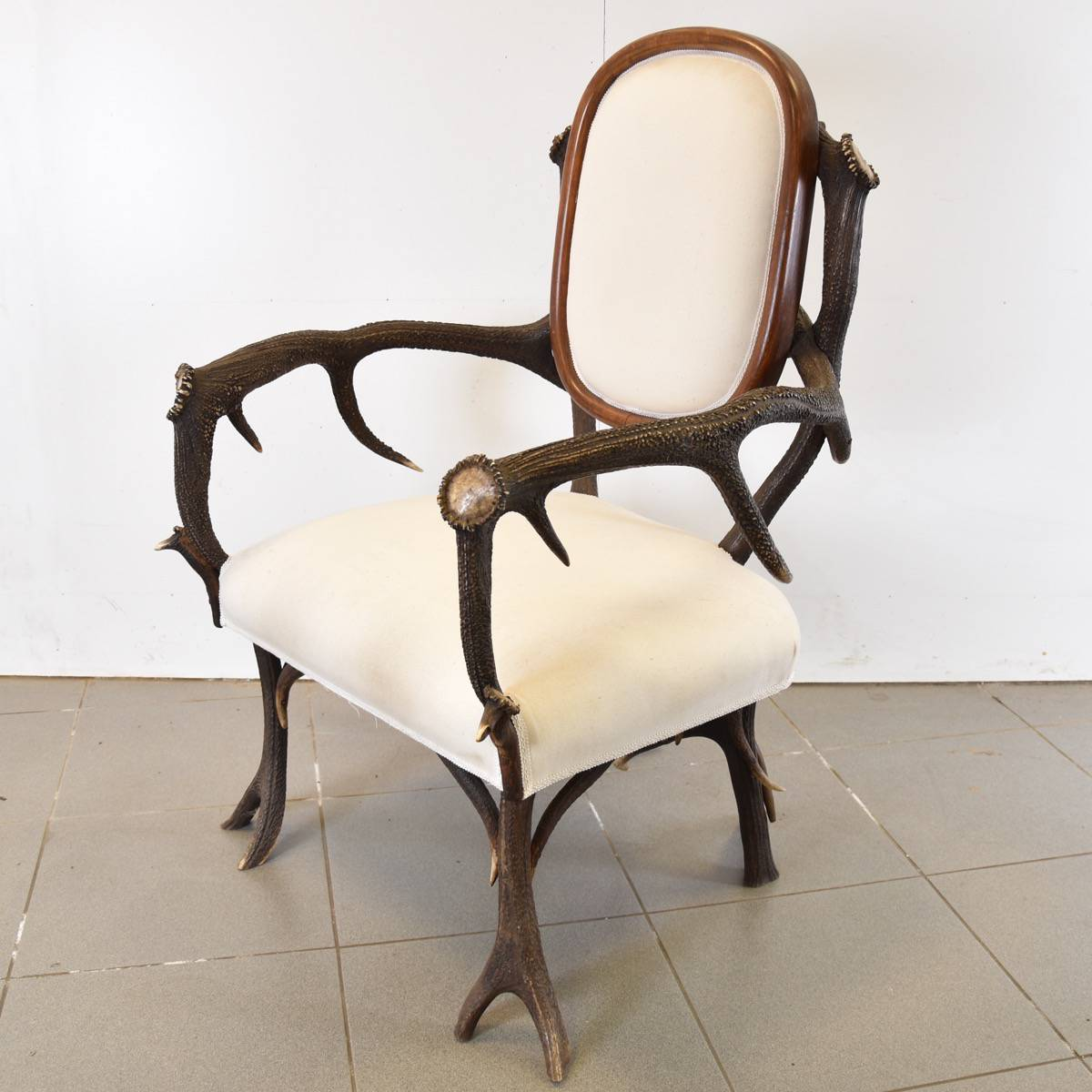 Exceptionnel Antique Hunting Chair