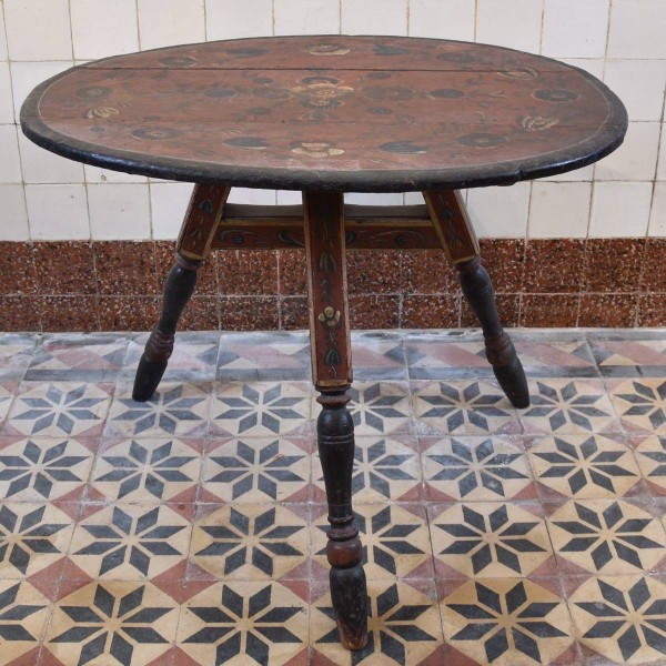 Dutch Friesland Table