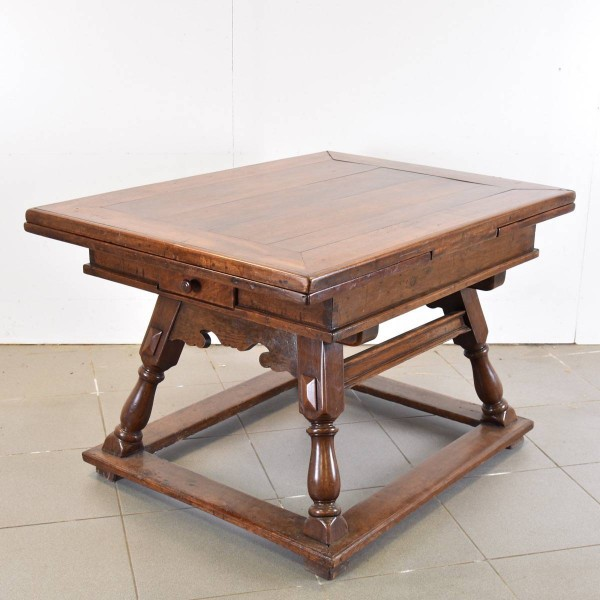 Swiss Extending Table