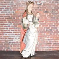 Flemish madonna and Child Sculpture