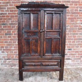 Haute epoque Spanish chestnut Cupboard