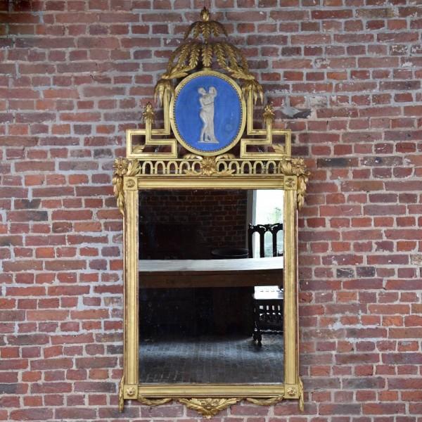 Fine carved Swedish Mirror parcel-gilt