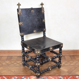 antique-decorative-armchair2