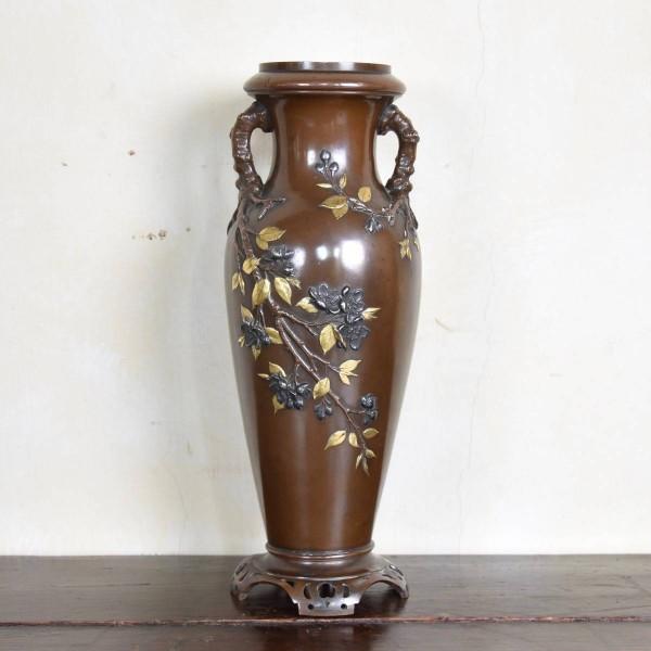 antique-decorative-tall-vase2