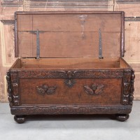 antique-furniture-coffer2