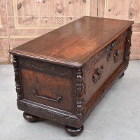 antique-furniture-coffer3