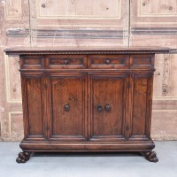 antique-furnituree-dresser1