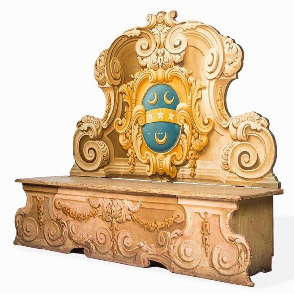 Italian 18th century polychromed cassapanca