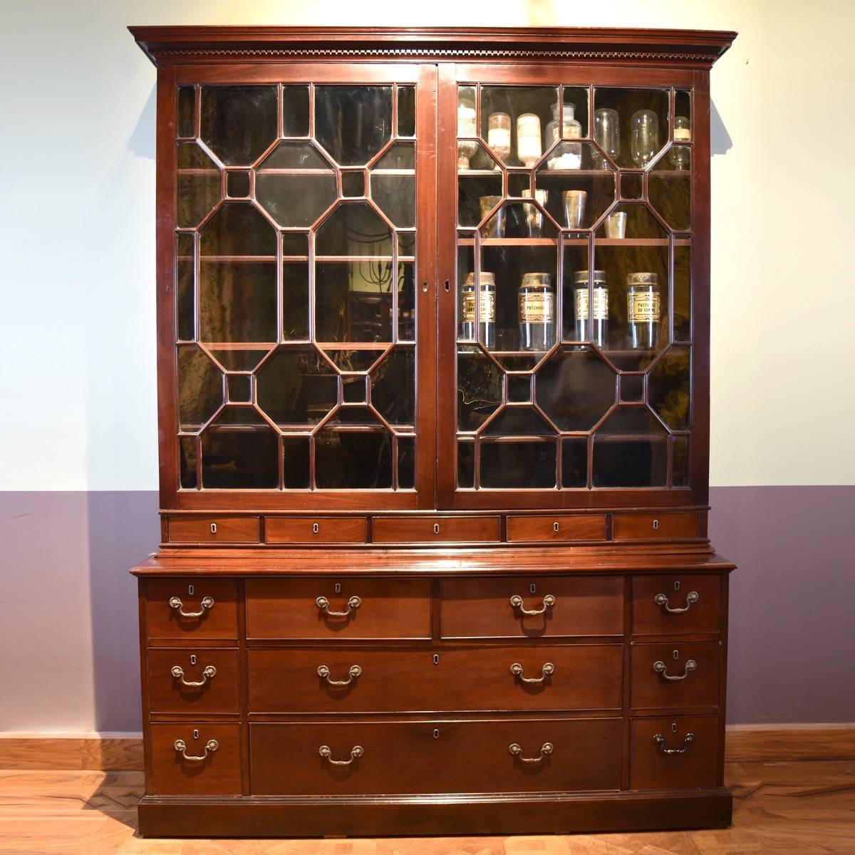 English 18th century bookcase - The English Antique Furniture Collections